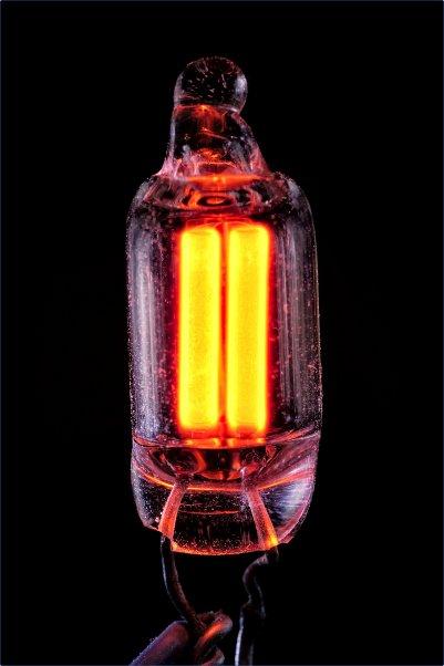 Неоновая лампа