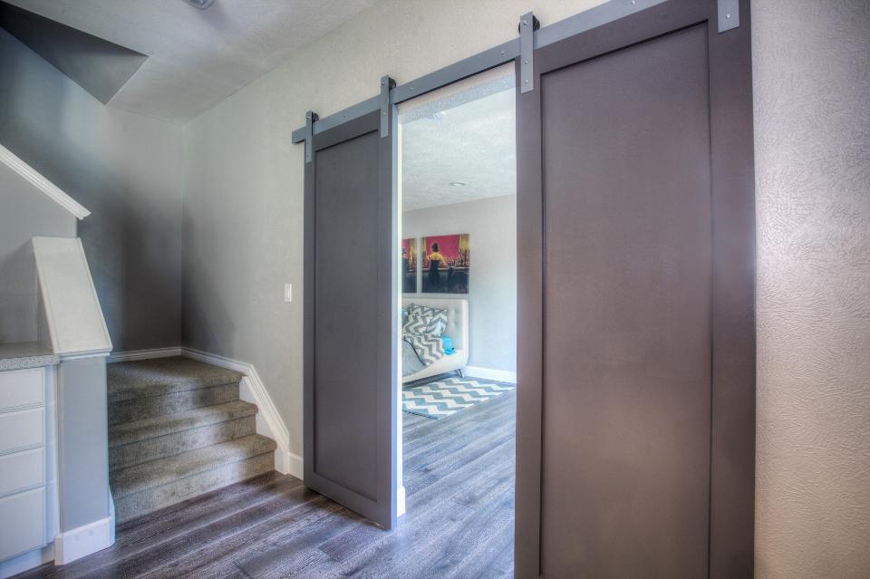 Межкомнатные двери-купе и их особенности