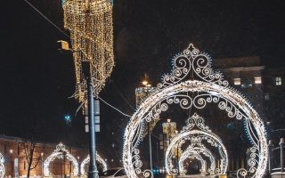 Украшение города световыми фигурами
